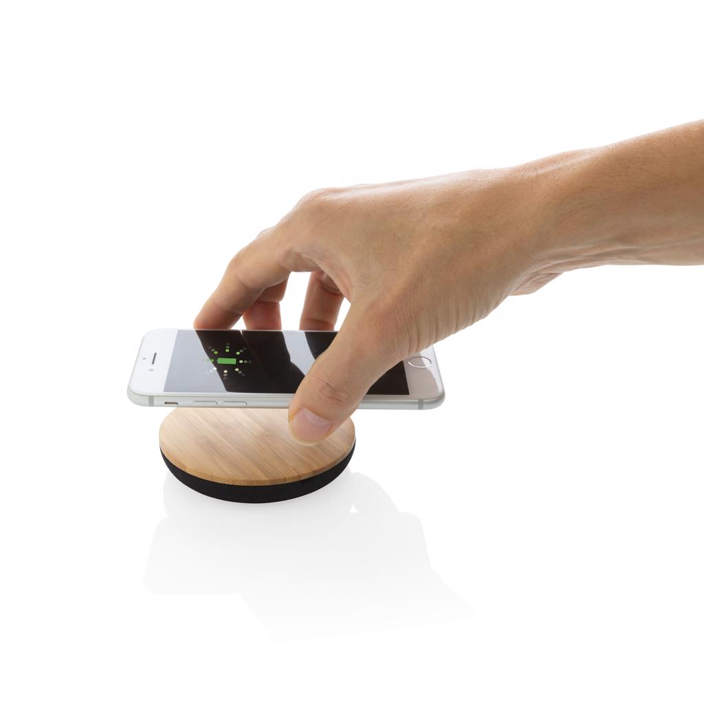 Hemp 40% and 30% recycled PET.Wireless charging compatible with all QI enabled devices like Android latest generation