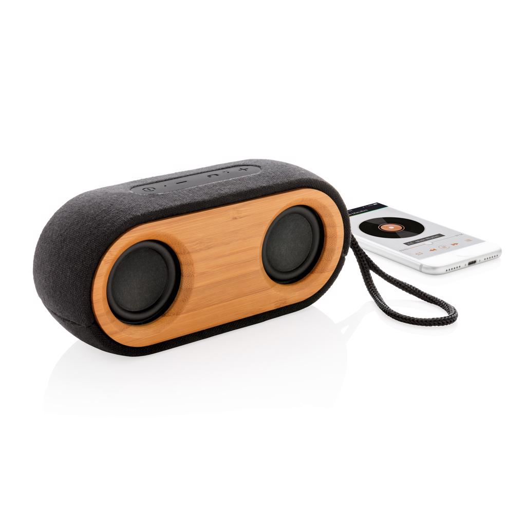 Hemp 40% and 30% recycled PET. The 10W speaker uses high quality components to guarantee longevity. The 2.200 mAh battery will play up to 6 hours on one single charge. It uses BT 4.2 for a super smooth connection and has an operating distance up to 10 metres.  Registered design® Packed in 100% plastic free packaging.