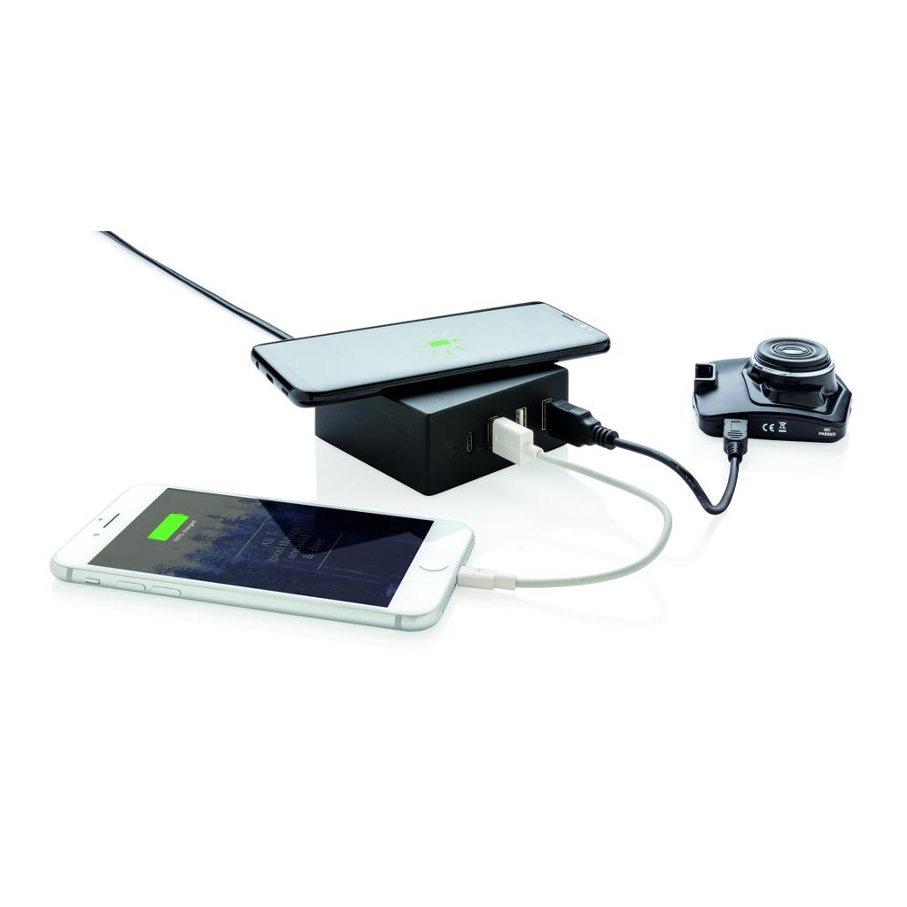 iPhone 8 and up. Input AC: 100-240v/50-60Hz. Output 5V/6A.